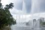 На Русановке запустили 30-метровые гейзерные фонтаны